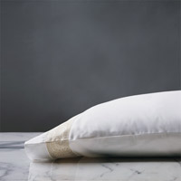 Cornice Lunetta White/Pearl Pillowcase