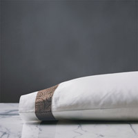 Cornice Lunetta White/Truffle Pillowcase