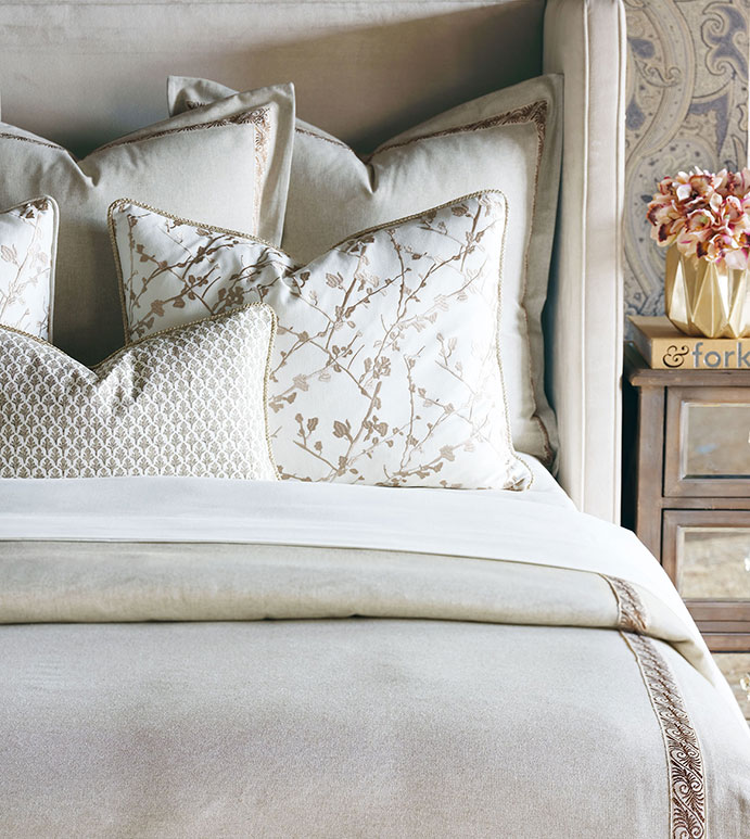 Balfour Bedset - ALEXA HAMPTON,NEUTRAL,LUXURY,BEDDING,DESIGNER,LUXURY BEDDING,LUXURY DESIGNER BEDDING,DESIGNER BEDDING,TRADITIONAL,NEUTRAL BEDDING,FLORAL,FLORAL BEDDING,NEUTRAL FLORAL BEDDING,CREAM