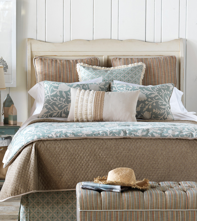 Avila Bedset - SHABBY CHIC BED SET,BOHEMIAN BED SET,COASTAL BED SET,EARTH TONE BED SET,LAKE HOUSE BEDROOM,BEACH HOUSE,NEUTRAL,BROWN AND GREEN,CONTEMPORARY,CASUAL,SPA TONED BEDDING,FLORAL