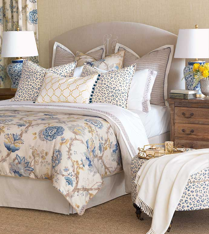 Emory Bedset - ASIAN BEDSET,ASIAN STYLE,TRADITIONAL ASIAN BEDSET,FLORAL BEDSET,LEOPARD PRINT,CHEETAH PRINT,ANIMAL PRINT,BLUE AND GOLD,BLUE AND WHITE,WHITE AND YELLOW,TRANSITIONAL,BLUE CHEETAH