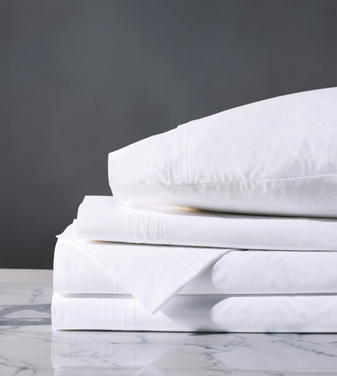 Vail Percale Sheet Set In White - FLAT SHEET,FITTED SHEET,BEDDING,SHEETS,PERCALE,COTTON,100% COTTON,EGYPTIAN COTTON,LUXURY,LUXURIOUS,HIGH-END,HIGH-QUALITY,CRISP,DARK GRAY,NEUTRAL,GRAY,SLATE