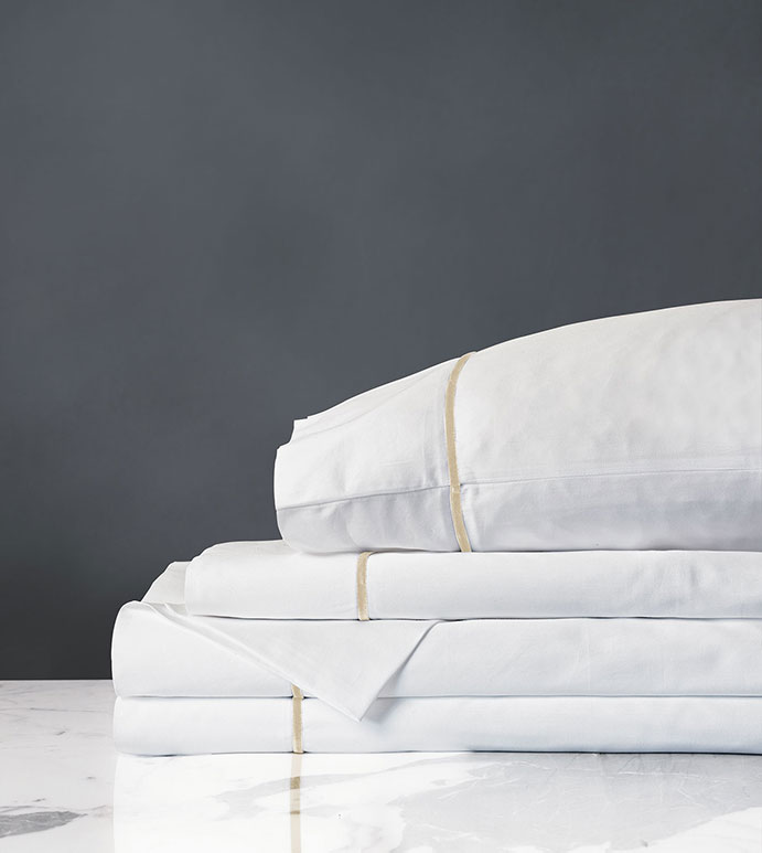 Linea Sheet Set In White & Sable