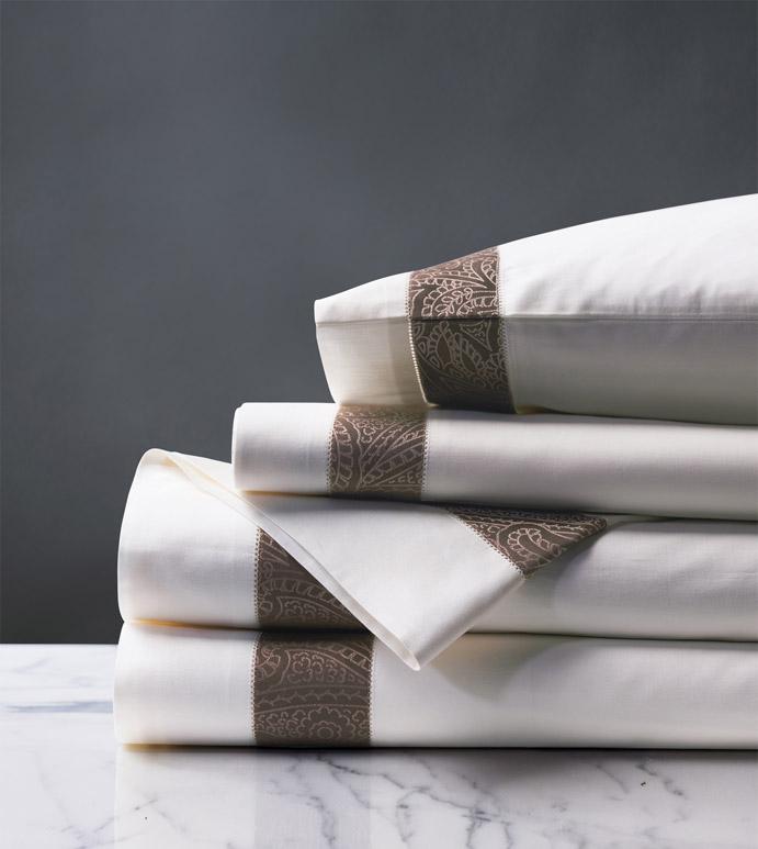 Cornice White/Truffle Sheet Set