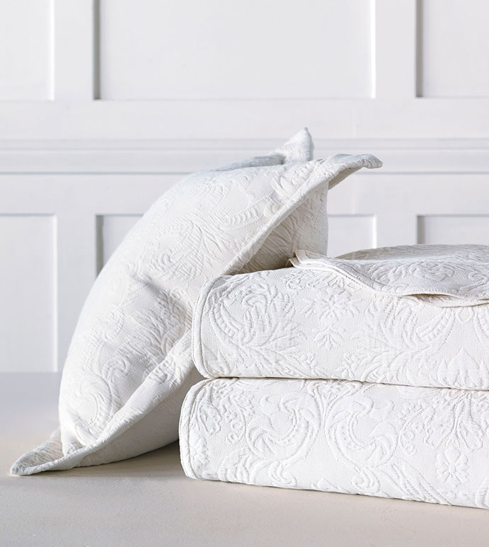 Sandrine Matelasse - bed skirt, grand sham, coverlet, throw, euro sham, king hsam, standard sham, boudoir, bed pillow, pillow, decorative pillow, accent pillow, throw pillow, flange, neutral, natural, 100% cototn, cotton, matelasse, quilted, bedding, bedding collection, bedset, home décor, home goods, accessories, interior design, cozy, soft, texture, luxury, luxurious, expensive, high end, high quality, good quality, Portugal, woven, Egyptian, egyptian cotton, damask, floral, traditional, design, pattern, motif, jacquard, white