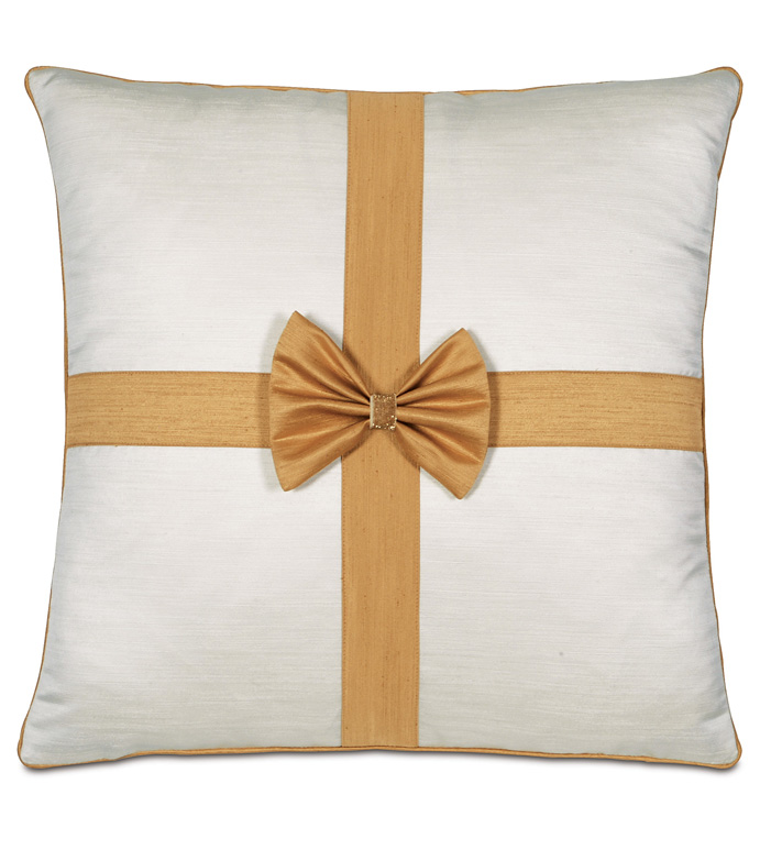 Gift Bow Decorative Pillow in Gold - ,BOW PILLOW,CHRISTMAS BOW,FESTIVE BOW,GOLD BOW,GLAM HOLIDAY DECORATIONS,LUXURY HOLIDAY DECOR,GOLD CHRISTMAS PILLOW,CHRISTMAS DECOR,LUXURY CHRISTMAS,HOLIDAY DECOR,