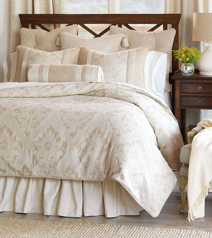 Brookfield Bedset - NEUTRAL ELEGANT BEDSET,CLASSIC,TRADITIONAL IVORY BEDSET,IVORY AND TAN,CREAM,WHITE,BEIGE,SOPHISTATED BEDDING,IVORY BROCADE BEDDING,TRADITONAL HOME BEDDING,SOUTHERN CLASSIC BEDDING
