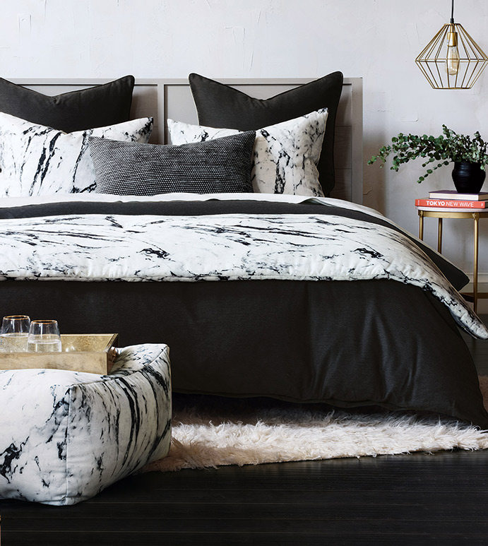 Banks Bedset - BLACK AND WHITE BEDDING, MARBLE PATTERN, MARBLE BEDDING, LUXURY BEDDING, MODERN BEDDING, HIGH END BEDDING, HIGH QUALITY BEDDING, BEDDING, LUXURY, BLACK AND WHITE, MARBLE, HOME