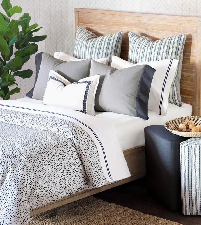 Hugo Bedset - blue and white,polka-dotted,polka-dots,speckled,luxury bedding,luxury,bedding,kids,childrens,