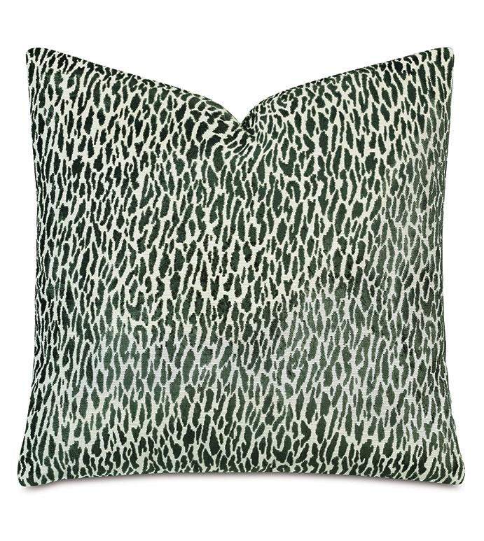 Earl Woven Decorative Pillow In Emerald - PILLOW,GREEN,DECORATIVE PILLOW,ACCENT PILLOW,ABSTRACT,ANIMAL PRINT,LEOPARD PRINT,CHEETAH PRINT,THROW PILLOW,GREEN PILLOW,EMERALD,ANIMAL PRINT PILLOW,22X22,SQUARE,EMERALD GREEN,