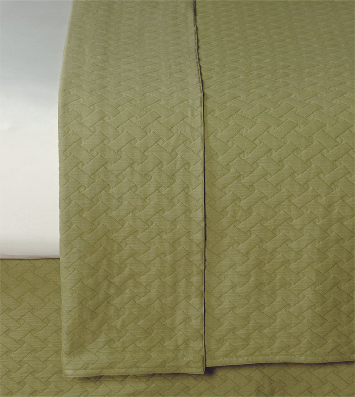 Briseyda Palm Coverlet - GREEN COVERLET,ARMY GREEN COVERLET,REVERSIBLE COVERLET,SOLID GREEN,REVERSIBLE GREEN BLANKET,QUILTED GREEN COVERLET,GREEN MATELASSE,COTTON,WASHABLE COVERLET,EARTH TONE,NATURAL