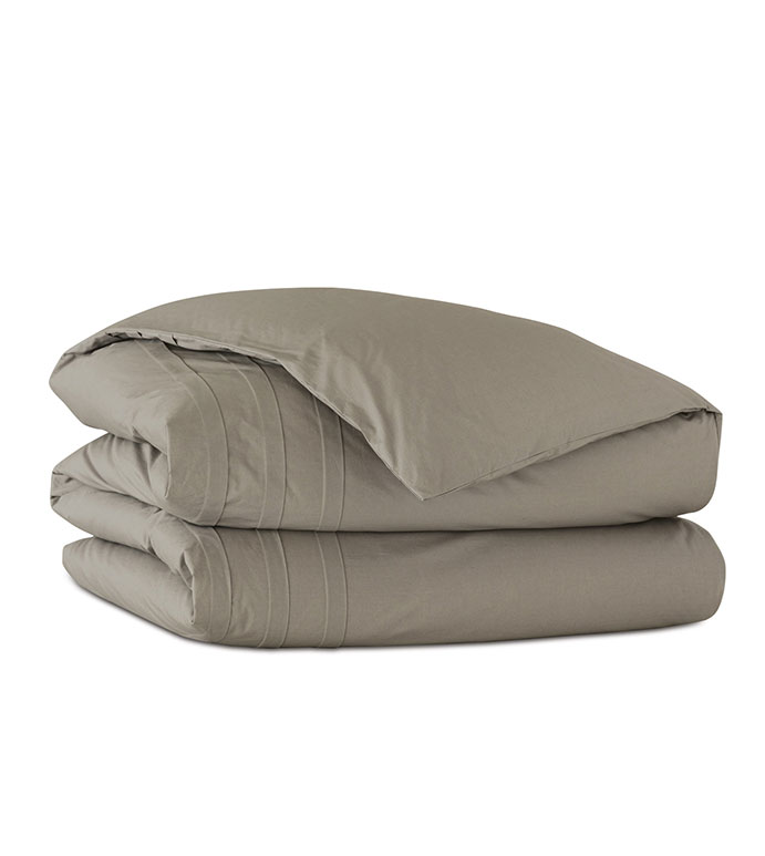 Vail Percale Duvet Cover In Fawn - DUVET COVER,PERCALE,COTTON,100% COTTON,EGYPTIAN COTTON,LUXURY,LUXURIOUS,HIGH-END,HIGH-QUALITY,PLEATED,PLEAT,TEXTURED,CRISP,GRAY,WARM GRAY,FAWN,TAUPE,BLANKET,