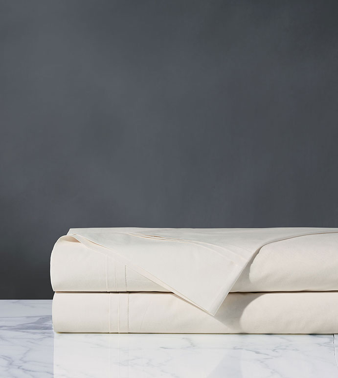 Vail Percale Flat Sheet In Ivory - FLAT SHEET,SHEET,SHEETS,PERCALE,COTTON,100% COTTON,EGYPTIAN COTTON,LUXURY,LUXURIOUS,HIGH-END,HIGH-QUALITY,CRISP,IVORY,WHITE,NEUTRAL,CREAM,BEIGE