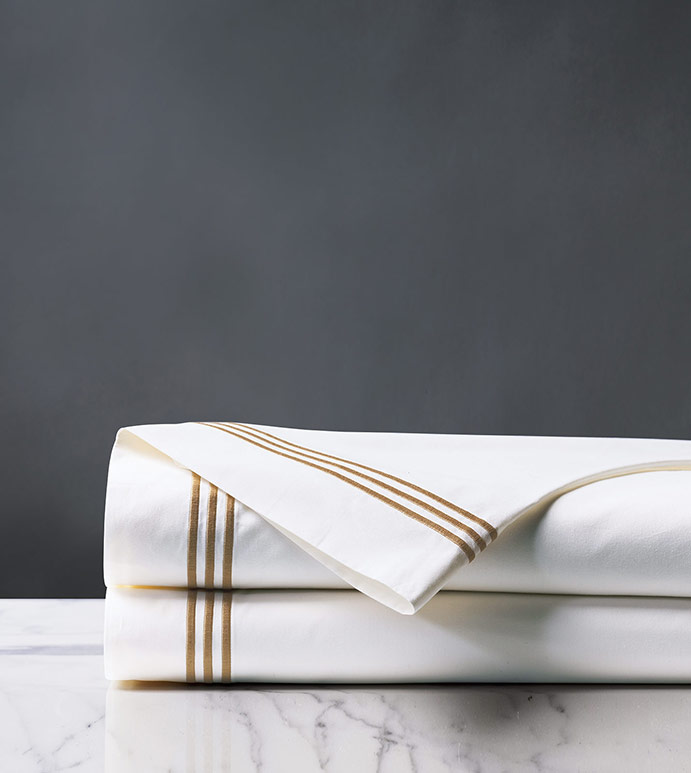 Tessa White/Antique Flat Sheet