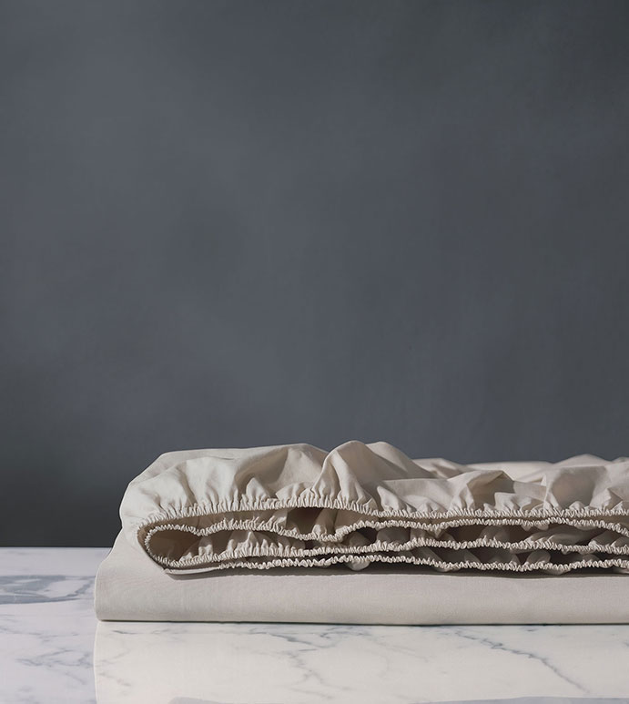 Vail Percale Fitted Sheet In Bisque - FITTED SHEET,SHEET,SHEETS,PERCALE,COTTON,100% COTTON,EGYPTIAN COTTON,LUXURY,LUXURIOUS,HIGH-END,HIGH-QUALITY,CRISP,BEIGE,BISQUE,CREAM,