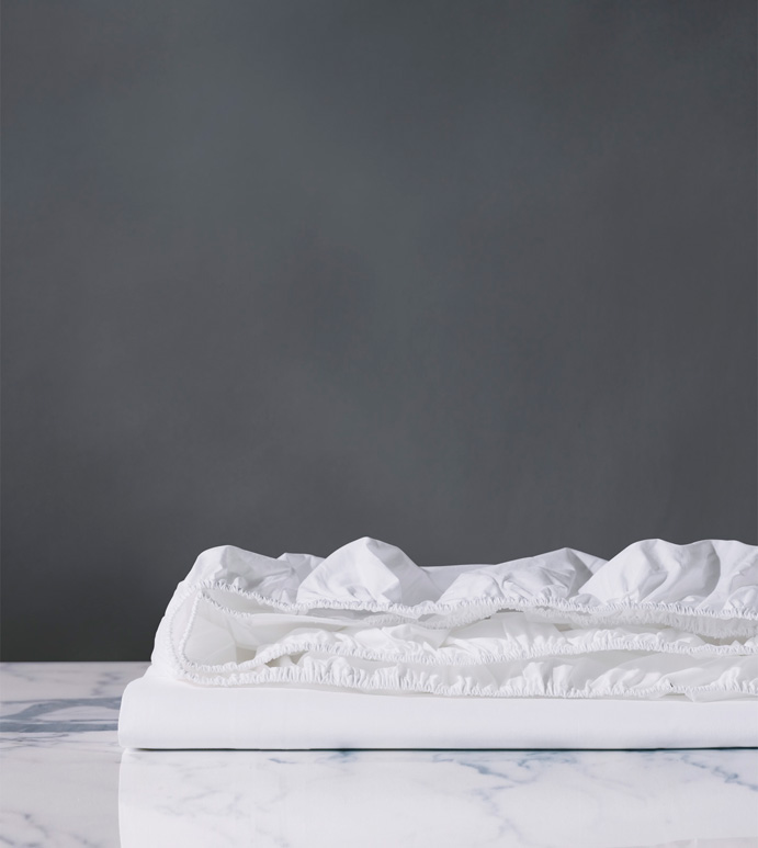 Vail Percale Fitted Sheet In White - FITTED SHEET,SHEET,SHEETS,PERCALE,COTTON,100% COTTON,EGYPTIAN COTTON,LUXURY,LUXURIOUS,HIGH-END,HIGH-QUALITY,CRISP,WHITE,NEUTRAL