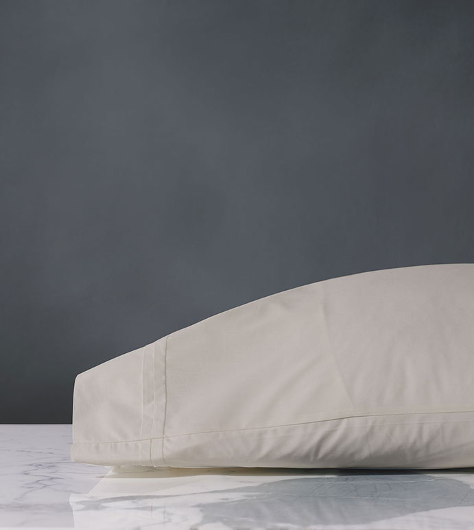 Vail Percale Pillowcase In Bisque - PILLOW COVER,SLEEP PILLOW,SLEEPING PILLOW,SHEETS,PERCALE,COTTON,100% COTTON,EGYPTIAN COTTON,LUXURY,LUXURIOUS,HIGH-END,HIGH-QUALITY,CRISP,BEIGE,BISQUE,CREAM,PLEAT,PLEATED,TEXTURED