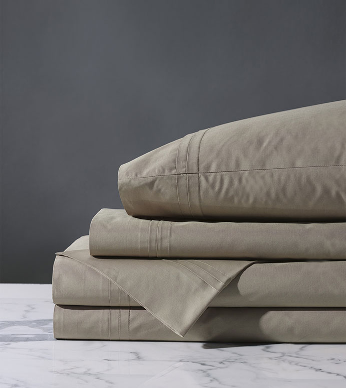 Vail Percale Sheet Set In Fawn - FLAT SHEET,FITTED SHEET,BEDDING,SHEETS,PERCALE,COTTON,100% COTTON,EGYPTIAN COTTON,LUXURY,LUXURIOUS,HIGH-END,HIGH-QUALITY,CRISP,GRAY,WARM GRAY,FAWN,