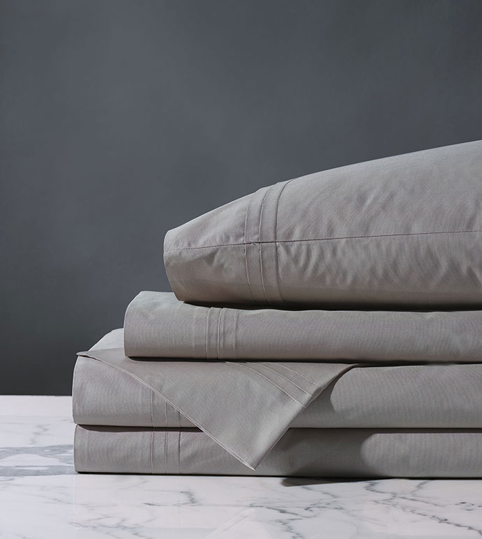 Vail Percale Sheet Set In Heather - FLAT SHEET,FITTED SHEET,BEDDING,SHEETS,PERCALE,COTTON,100% COTTON,EGYPTIAN COTTON,LUXURY,LUXURIOUS,HIGH-END,HIGH-QUALITY,CRISP,GRAY,LIGHT GRAY,HEATHER,