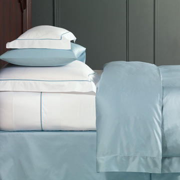 Linea - cotton,100% cotton,sateen,italian,egyptian cotton,silky,sheets,sheeting,fine linen,fine linens,flat sheet,fitted sheet,pillowcase,made in usa,made in america,italian fine linens,woven in italy,contrasting,velvet,ribbon,border,flange,classic,traditional,elegant,sophisticated,bedding,home decor,bedroom,textiles,