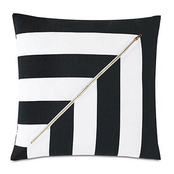 Kubo Zipper Decorative Pillow