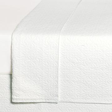 Mea White Coverlet