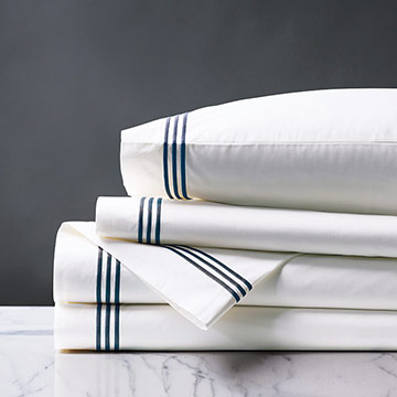 Tessa White/Navy Sheet Set