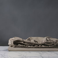 Vail Percale Fitted Sheet In Fawn