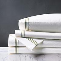 Tessa White/Pear Sheet Set